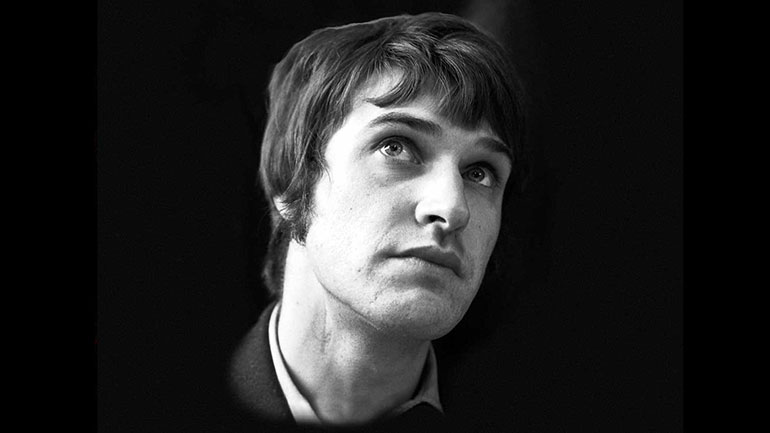 Ray-Davies-portrait-770.jpg
