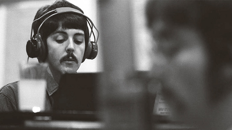 Paul-McCartney-Beatles-Sgt.Pepper-770.jpg