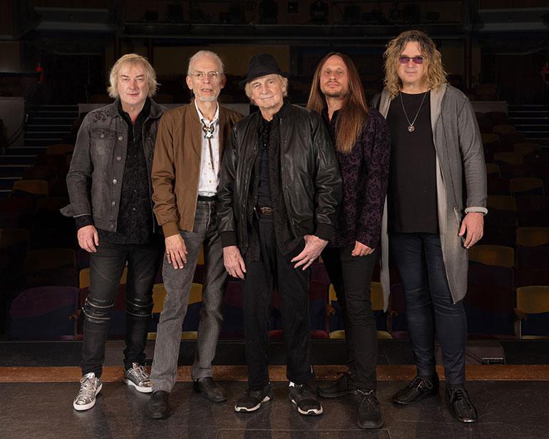 Yes in 2018: (from left) Geoff Downes, Steve Howe, Alan White, Jon Davison, Billy Sherwood.