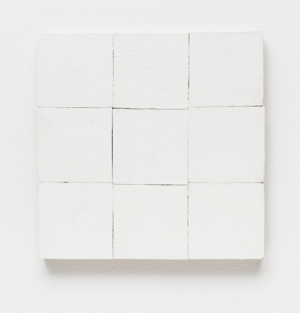 Fernanda Gomes Sem título, 2015 tinta latex s/ madeira, 30 x 30 cm Untitled. 2015 latex ink on wood, 11 13/16 x 11 13/16 inches