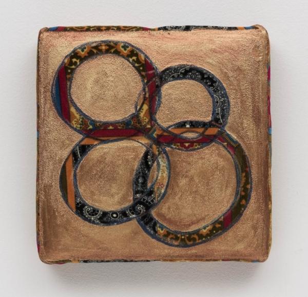 Leda Catunda   Quatro Circulos, 2016  acrílica s/ veludo, 32 x 33 cm   Four circles, 2016  acrylic on velvet, 12  ⅝  x 13 inches