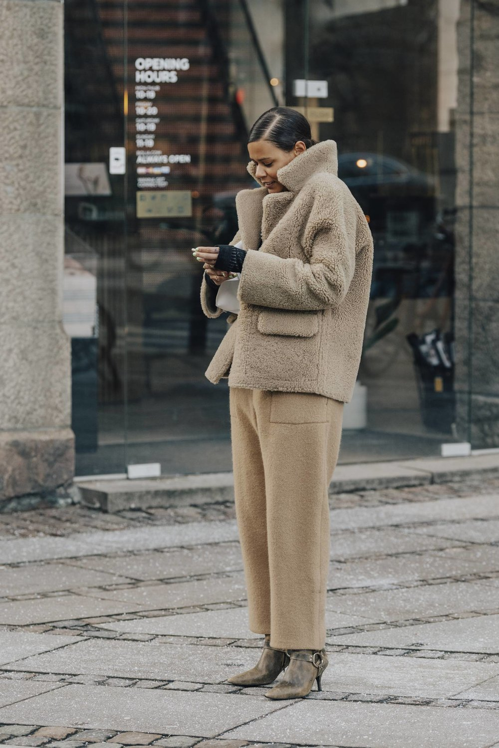 The perfect head to toe NEUTRAL, wool trousers with the cropped teddy coat. So wearable and practical.