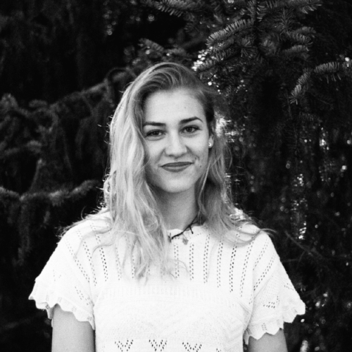 Sophie Puchta - Munich, GermanyFairly new to the scene and without seeding, Sophia will have to fight her way through the pre-lims. Lots of style.