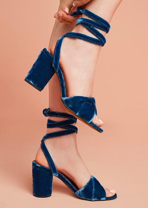 Tie-Heels