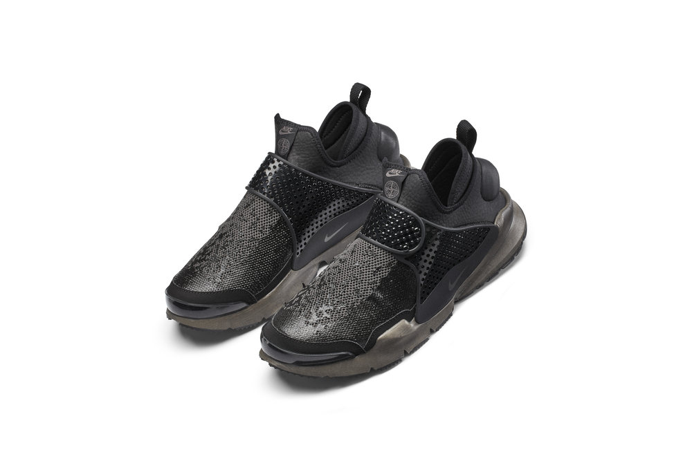 The_NikeLab_x_Stone_Island_Sock_Dart_Mid_2_65411.jpg