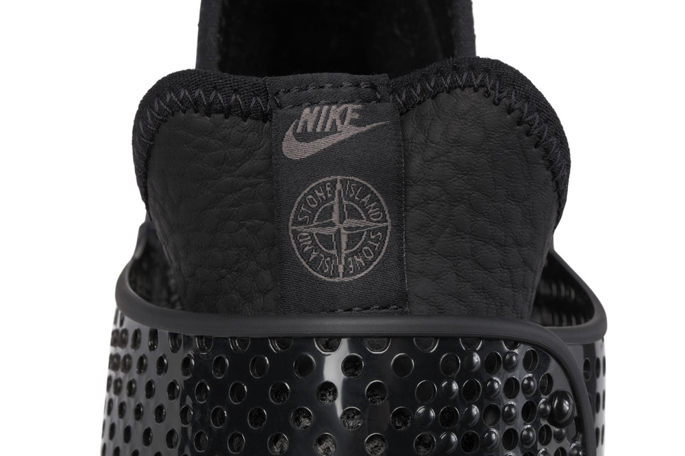 The_NikeLab_x_Stone_Island_Sock_Dart_Mid_1_65408.jpg