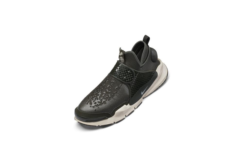 The_NikeLab_x_Stone_Island_Sock_Dart_Mid_7_65412.jpg