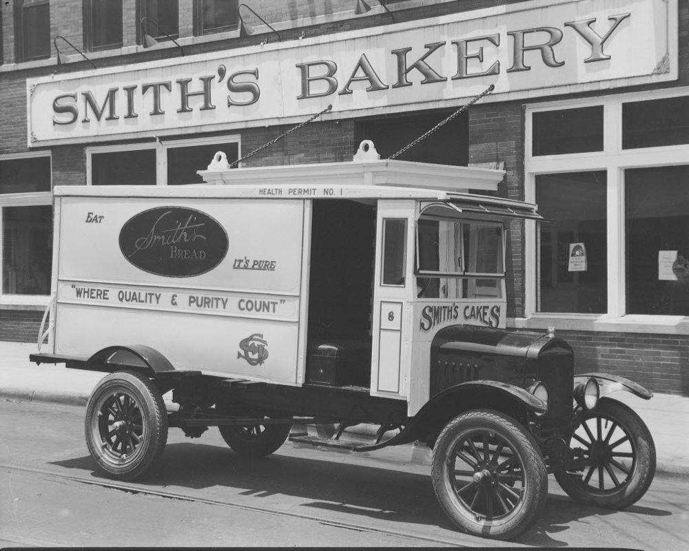 smiths-bakery-truckjpg-5ef1ed40f1bd93ac.jpg