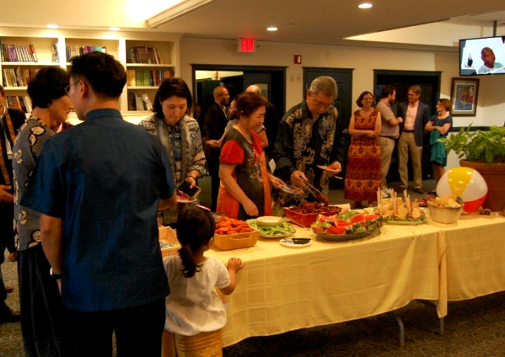 Reception - group at table.jpg