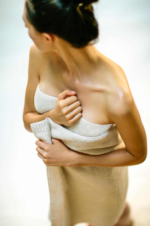 Advertising Image-Natori Bath Towels