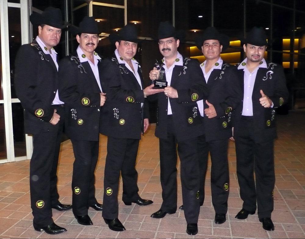 Tucanes Premio Promusa.jpg