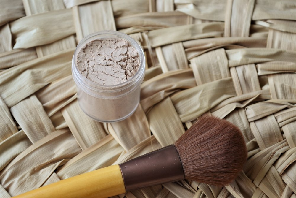 Foundation Powder - Depending on the color of your skin, start with 1 TBS of cornstarch and slowly add in cacao powder until you reach your desired color. (The darker your skin, the less corn starch you will use) Put the mixture into a small mason jar or container and brush on as desired.