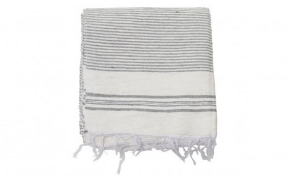 Moroccan Towels - These handwoven Moroccan towels are perfect for a day at the beach or to be used as your everyday bathroom towels. Very chic.