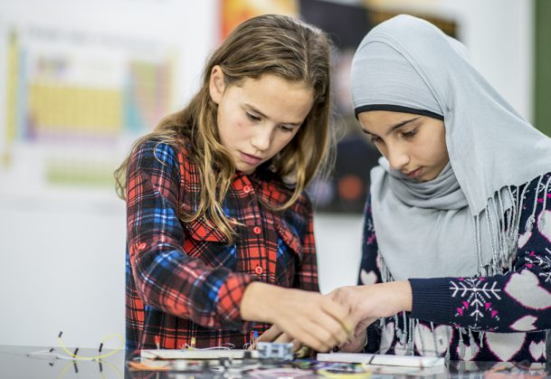 """- Girls Are More Engaged When They're 'Doing Science' Rather Than 'Being Scientists'. Asking young girls to """"do science"""" leads them to show greater persistence in science activities than does asking them to """"be scientists,"""" researchers at New York University and Princeton University find."""