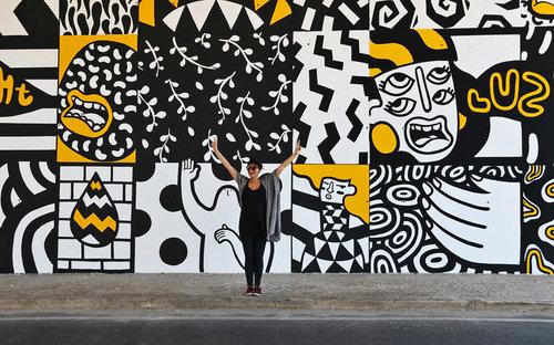 Vanessa Teodoro  na Rua da Azinhaga da Cidade
