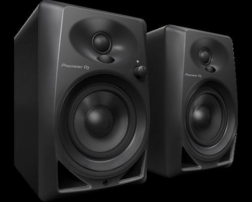 dm-40-monitor-speaker-angle-n.png