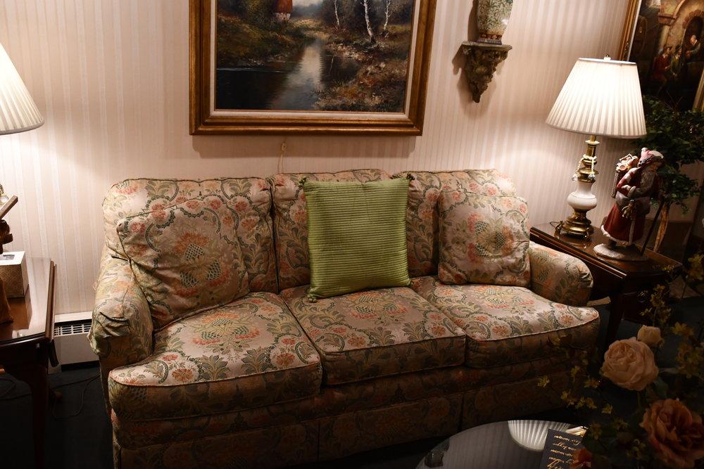Thompson & Kuenster Funeral Home | Furniture Sale
