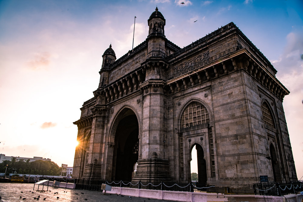 thetravelhub_india_gateway of india sunrise.jpg