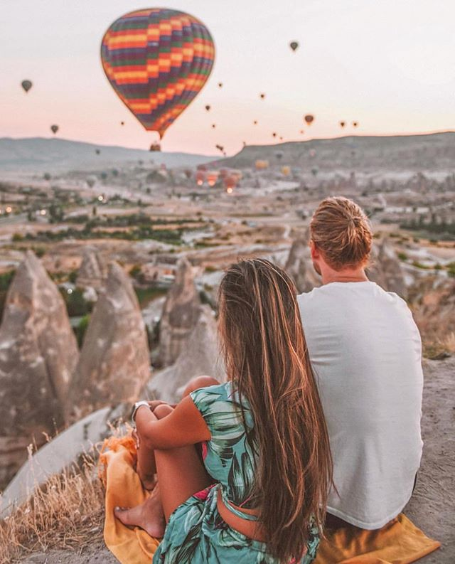 INCREDIBLE ADVENTURE 🚗  ____________________________________  Goreme - Cappadocia, Turkey 🇹🇷 ____________________________________ 📷 courtesy of @adventurefaktory ℹ️ courtesy of @andymtravel . 📌 Tag @the_travel_hub or #thetravelhub to have photos featured  ___________________________________________ Dubai couple, Thuymi & Mitch of @adventurefaktory, have set off on one of the most incredible road trips.......driving from UK to China!  They stopped in Turkey and made an early morning visit to Cappadocia to get this amazing pic before getting back on the road! Make sure you're following this adventure to see more inspiring pics! Safe travels guys 💙 . . . #turkey #cappadocia #visitturkey #roadtrip #adventure #adventurefaktory #bucketlist #travelphoto #travelclicks #travelphotography