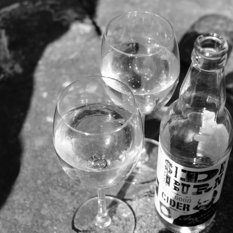 CIDER CIDER  De eerste Cider winkel van Nederland met het grootste aanbod.   Cidercider is voornamelijk geboren uit passie, maar ook een tikkeltje uit frustratie over het gebrek aan fatsoenlijke cider in Nederland. In de FenixFoodFactory vindt u dan ook de allereerste ciderwinkel van het land. CiderCider is een jong en fris bedrijfje met als ambitie om cider (en Poiré) in Nederland op de kaart te zetten.    www.cidercider.nl