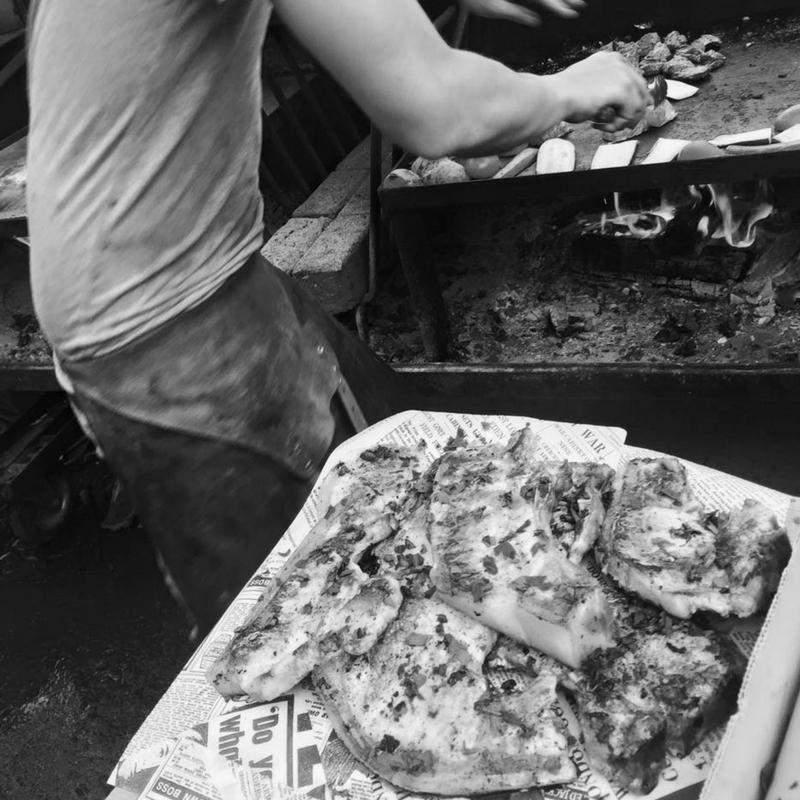 FIRMA BIJTEN  Pate Atelier   Firma Bijten is een onderneming die de kunst van het paté maken herontdekt. Firma Bijten staat voor gezamenlijke passie voor eerlijk eten en authentiek vakmanschap. Met unieke patés laten we Nederland opnieuw kennismaken met een veelzijdig product.    www.firmabijten.nl