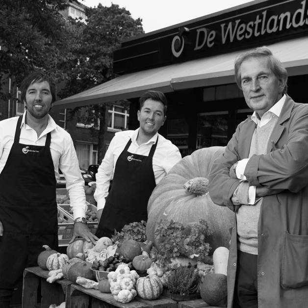 DE WESTLANDSE TUIN  Fresh for you!  You can ome to us for all your daily vegetables. Everyday we buy the best seasonal products available through various channels. At the greengrocer you will find a passionate professional with all the knowledge you need.    www.dewestlandsetuin.nl