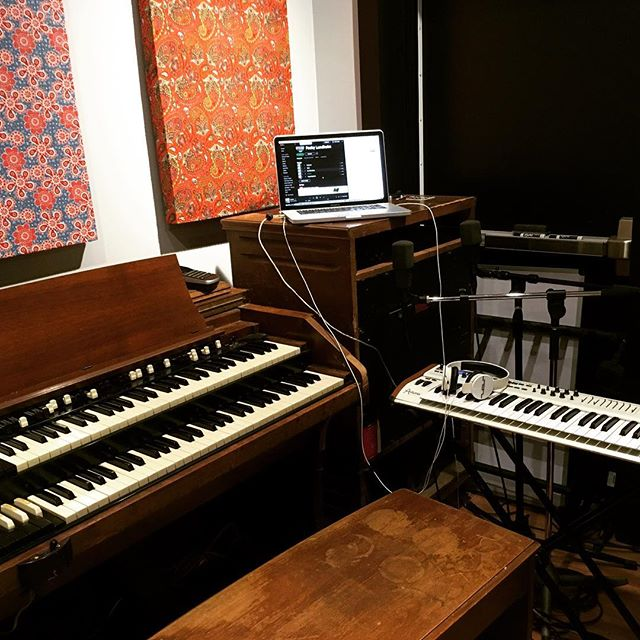 Our producer/keyboard session player @danmoulder's office today for Producer/Multi-Instrumentalist @packylundholm rehearsal at @soundvaultstudios. They'll be performing as the Packy Lundholm Band at #martyrs this Friday 04.13 at 8 pm w/ @midnightnorth. Contact @danmedallion to book studio time, and try her out for yourself! #hammond #c3 #bessie #leslie #147 #arturia #keyboard #singer #singersongwriter #powerpop #ifd