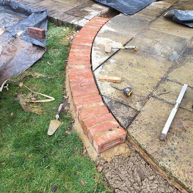 Replacing brick edge around circular patio#brick #brickedge #edging