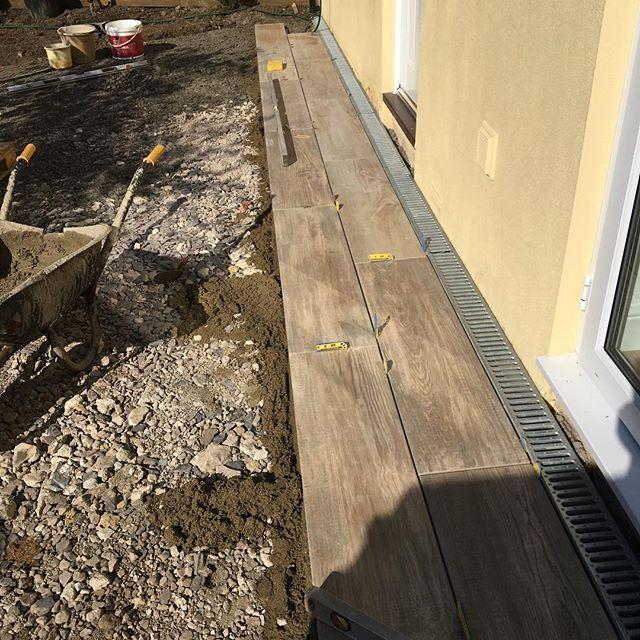 Paving going down in Bradford on Avon #porcelain #planks#patio
