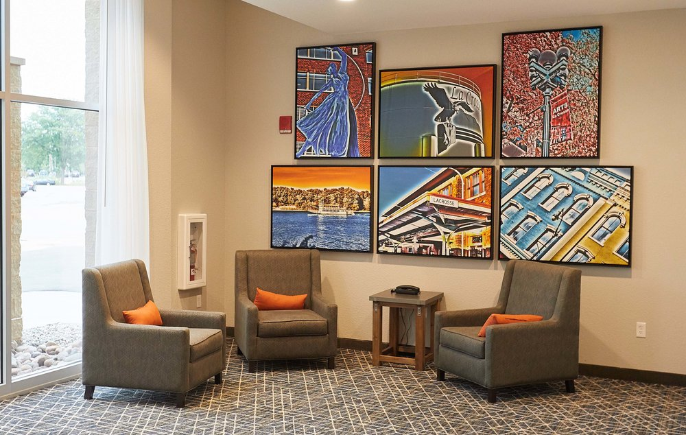 a fresh view of la crosse is depicted in our art throughout the hotel, featuring the sites and scenes of our area