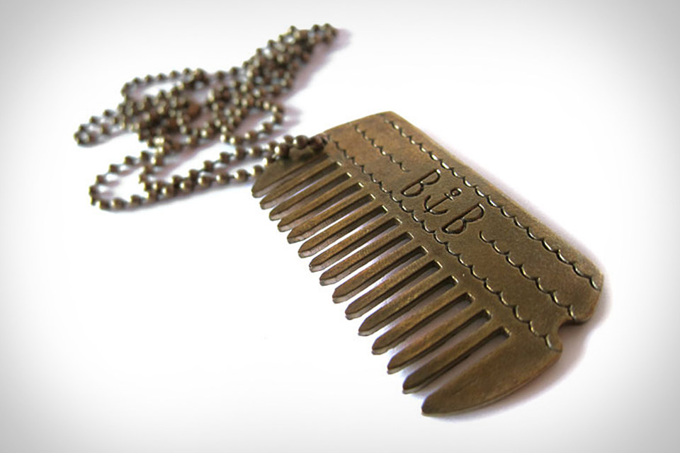 dog-tag-comb-necklace-xl.jpg