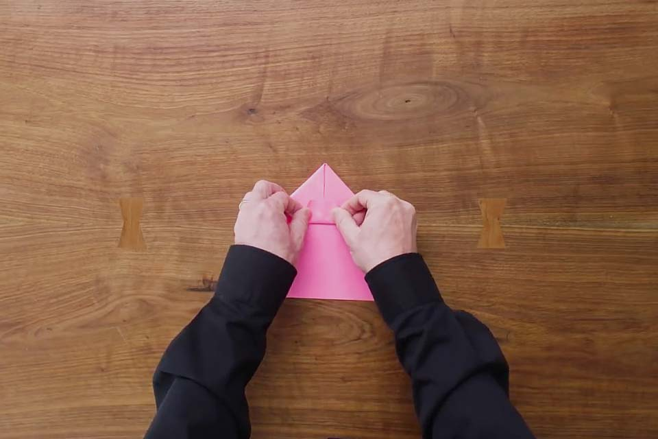 how-to-fold-world-record-paper-airplane.jpg