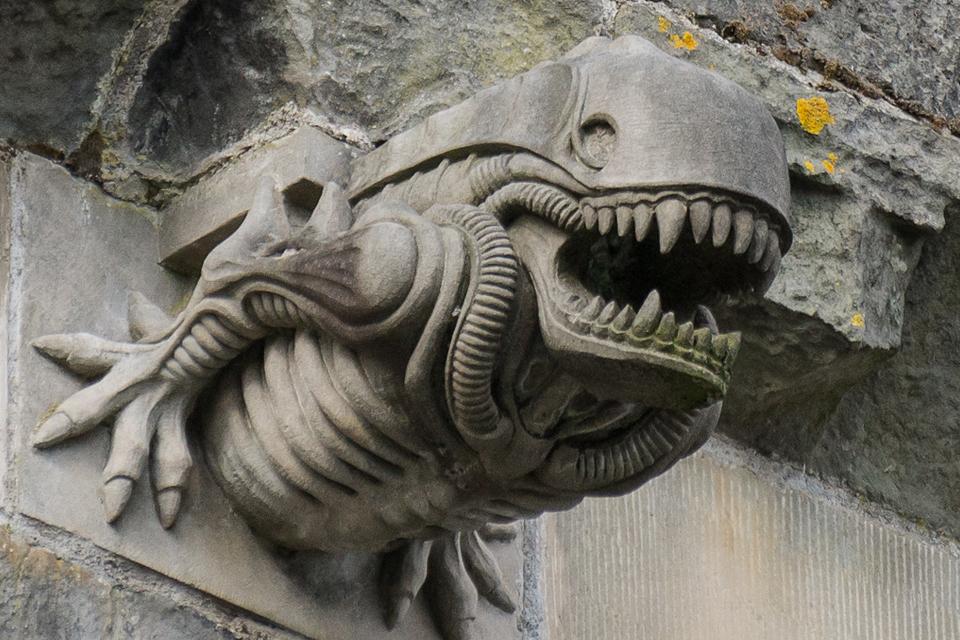 mystery-alien-gargoyle.jpg