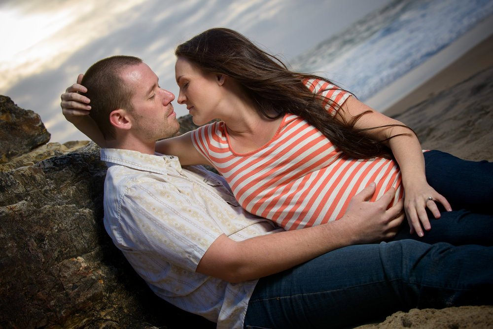 4881_d800_Katie_and_Tyler_Panther_Beach_Santa_Cruz_Maternity_Photography.jpg
