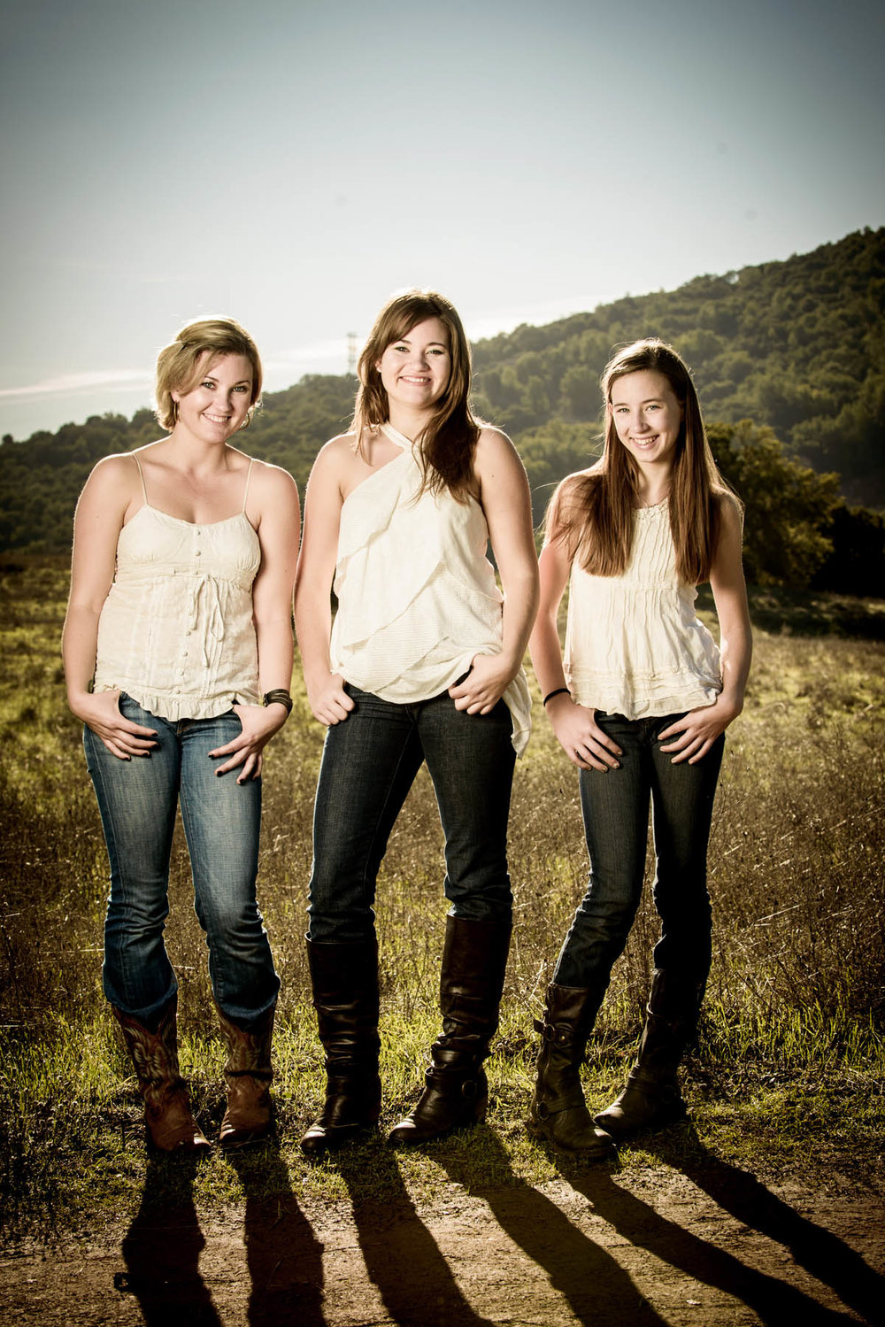 4463_d800_Allegra_Phoenix_Maren_Sisters_Rancho_San_Antonio_Open_Space_Preserve_Cupertino_Family_Photography.jpg