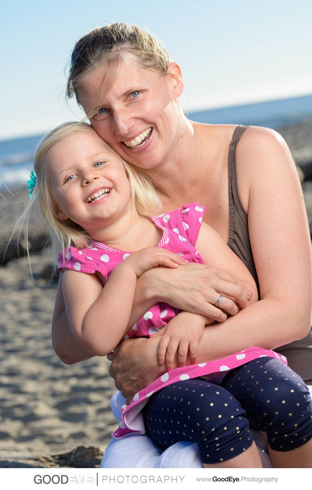 7609_Maja_and_Justin_Twin_Lakes_Beach_Santa_Cruz_Newborn_Family_Photogrraphy.jpg