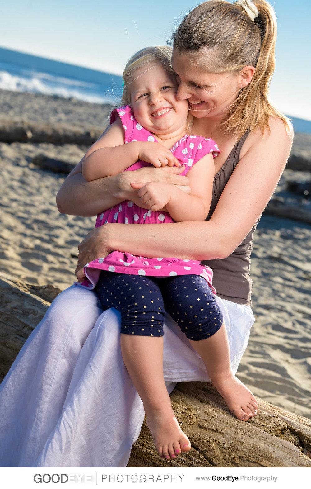 7600_Maja_and_Justin_Twin_Lakes_Beach_Santa_Cruz_Newborn_Family_Photogrraphy.jpg