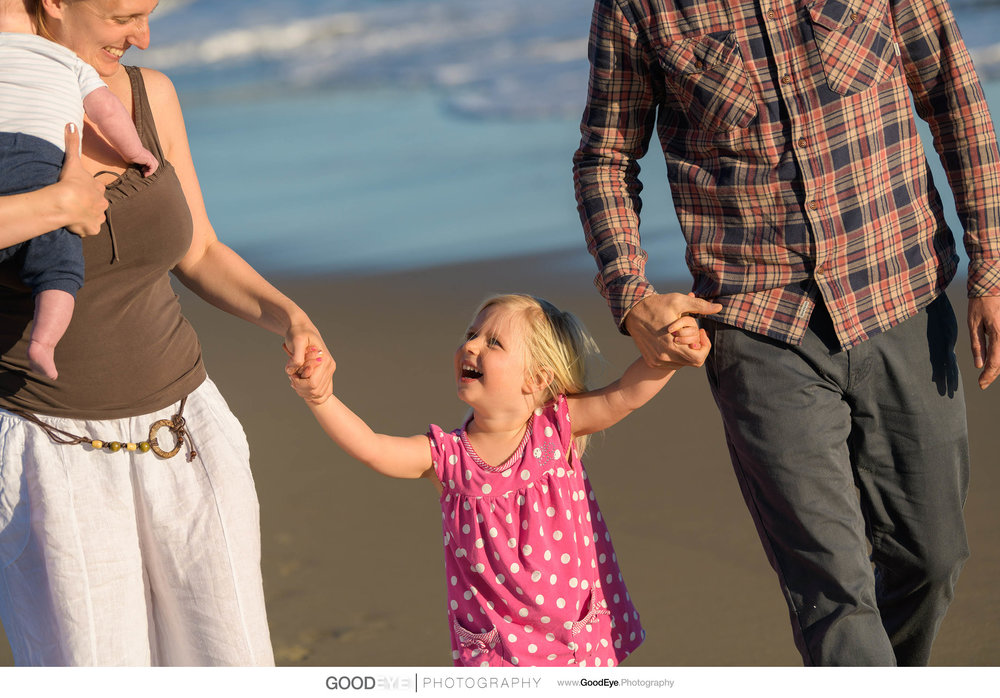 7822_Maja_and_Justin_Twin_Lakes_Beach_Santa_Cruz_Newborn_Family_Photogrraphy.jpg