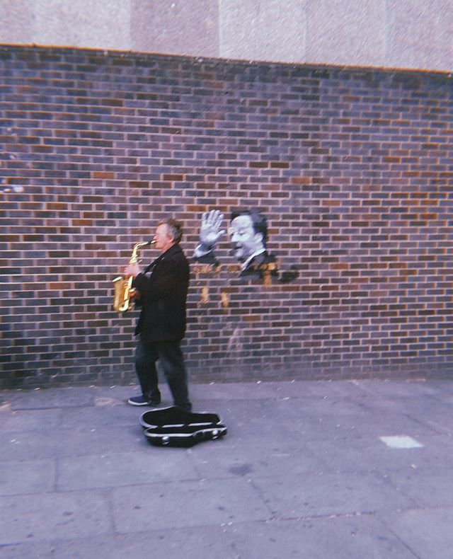 Oh, yeah. Yes. Busking in Highbury & Islington. . . . . #london #northlondon #instamoment #instamusic  #londonmusic #thisislondon #bandlife #weusedtomakethings #commuters #retrostyle #retrocollective