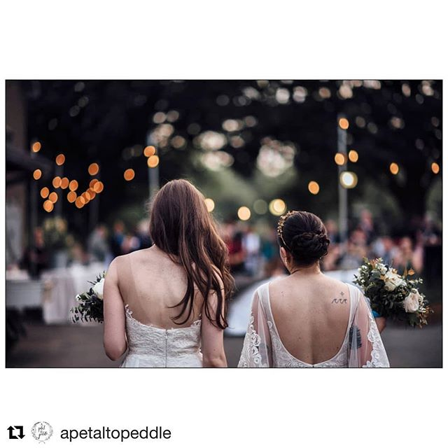 TFW you plan to post this photo and your gal @apetaltopeddle does too!  Truly on the same wavelength with Christa - it's no lie!  #vendorvibes . . #Repost @apetaltopeddle with @get_repost ・・・ I love the night life 🌌 . . . . Image by @rowanoakstudios Planning by @emeventsjc