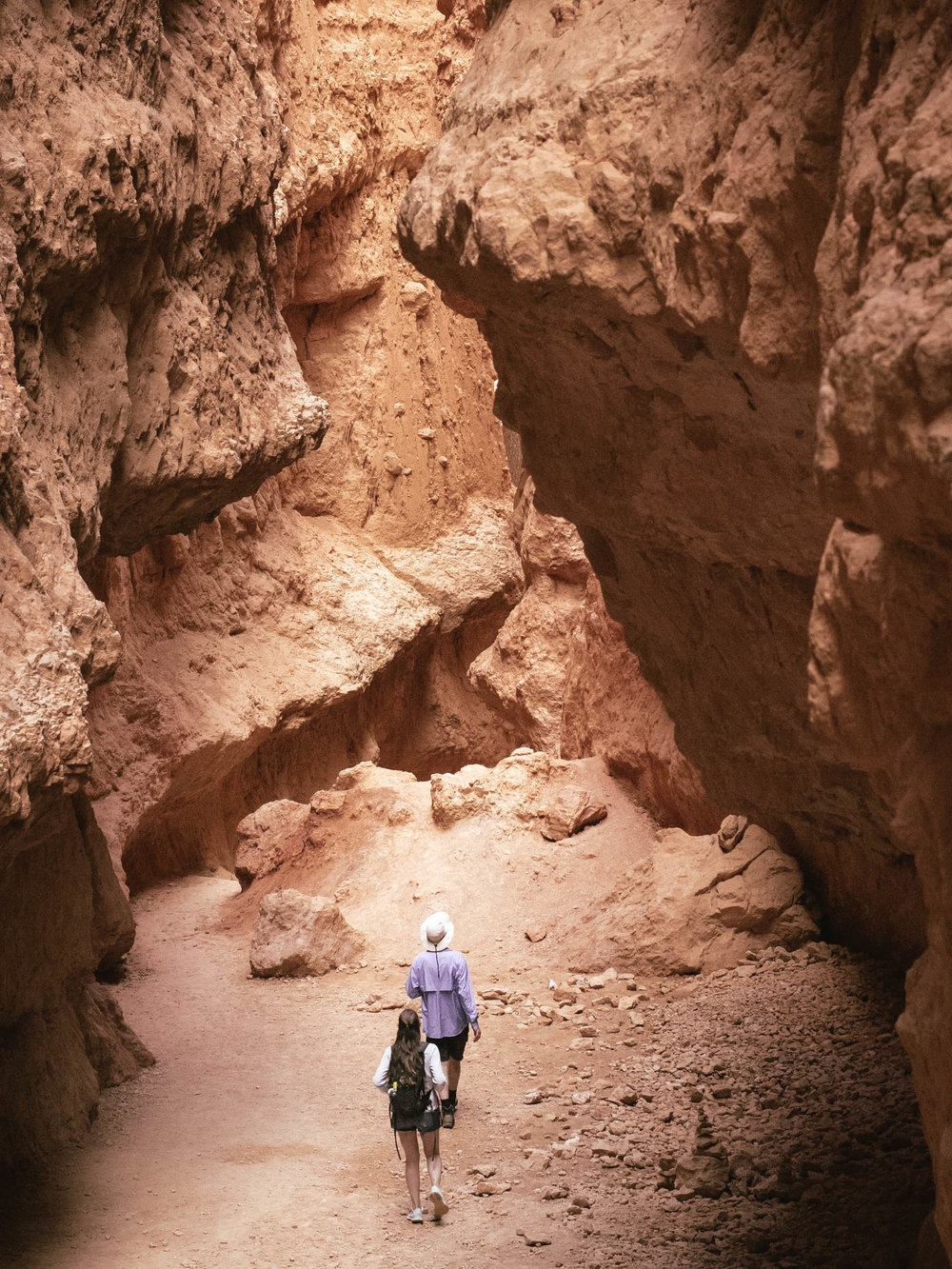 Hiking the Navajo Loop trail in Bryce Canyon National Park