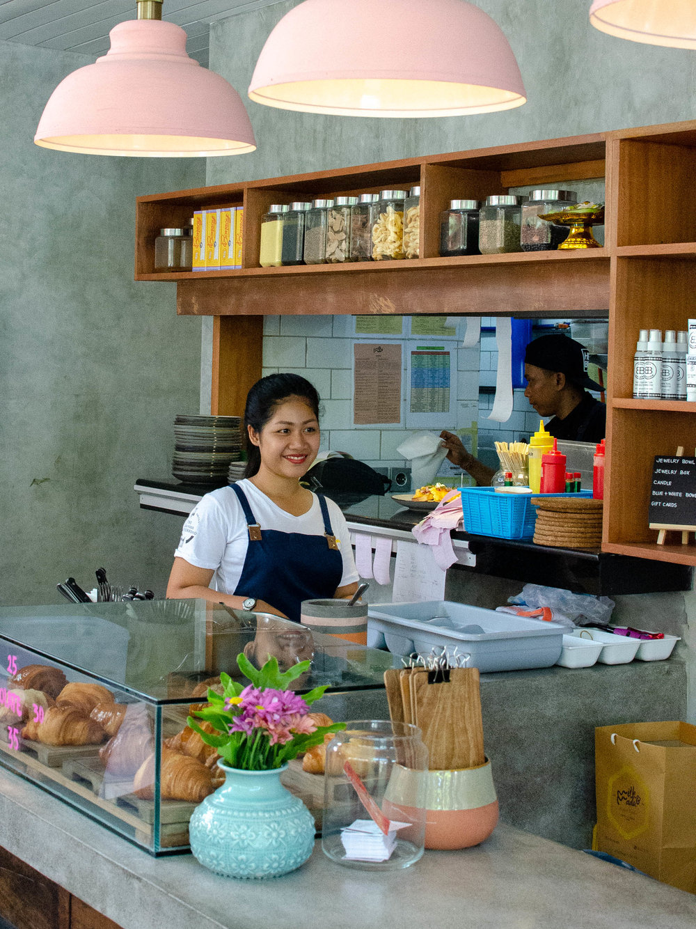 7 Cafes in Canggu for Foodies, Instagrammers, and Digital Nomads