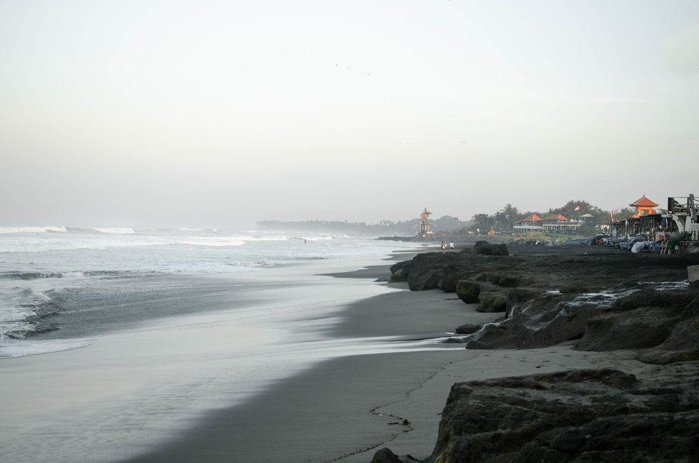 Morning waves at Echo Beach in Canggu
