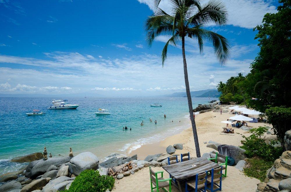 Playa-Caballo-puerto-vallarta.jpg