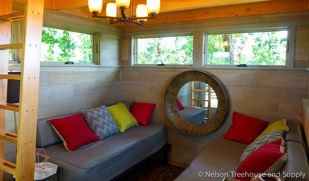 frank-lloyd-wright-treehouse-lounge