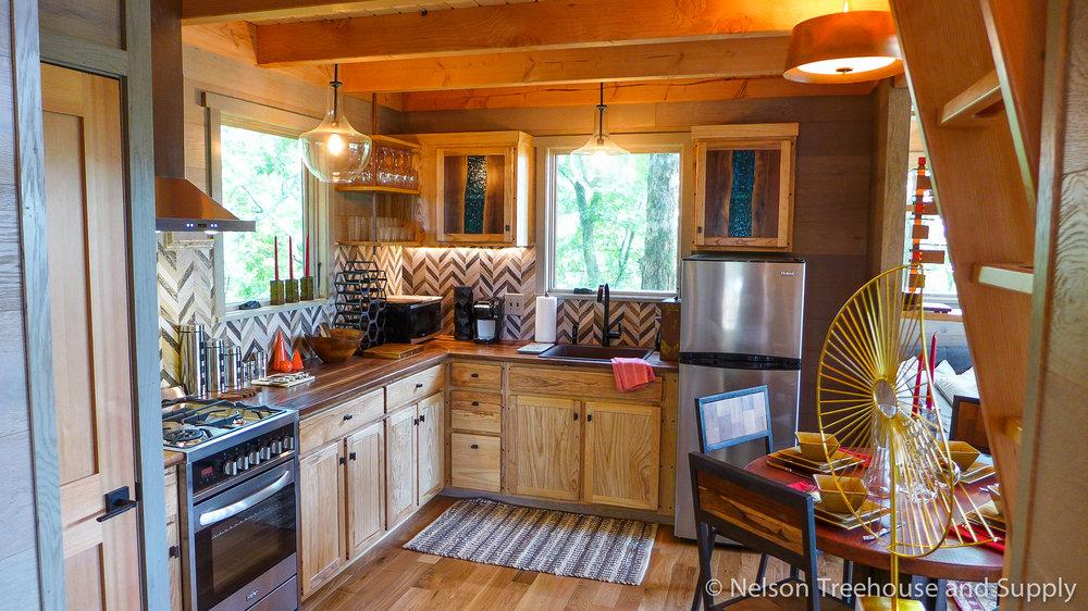 Perfect Frank Lloyd Wright Treehouse Kitchen