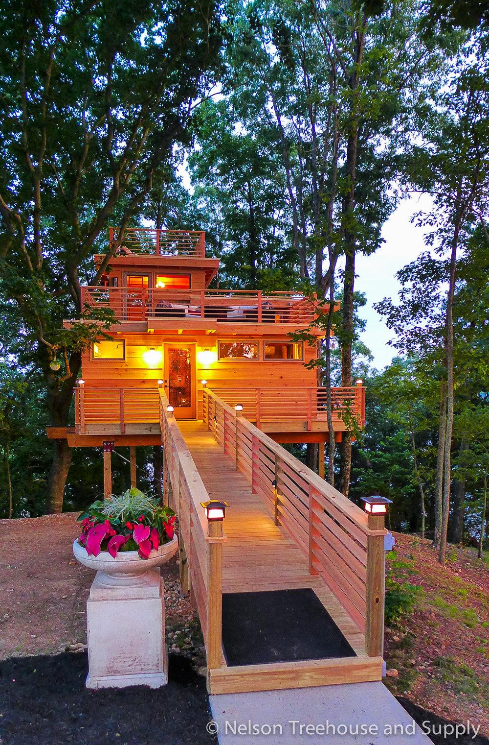 frank-lloyd-wright-treehouse-exterior-3