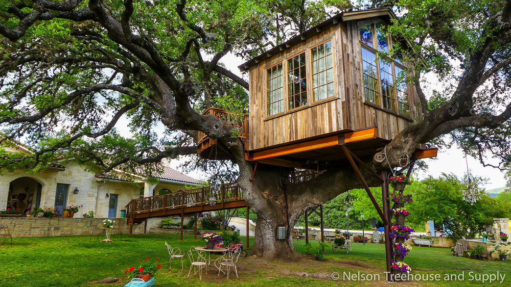 laurel-restaurant-treehouse-exterior-2