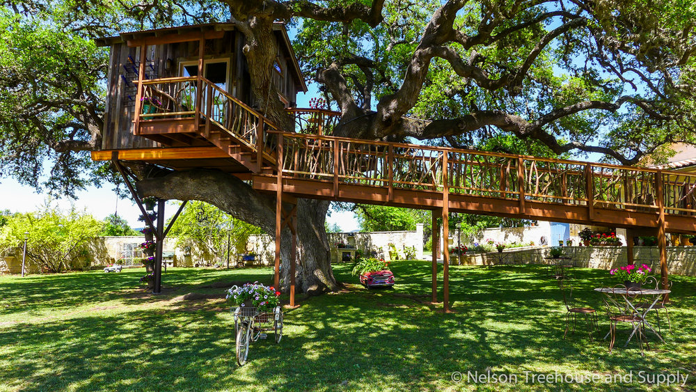 laurel-restaurant-treehouse-exterior-3