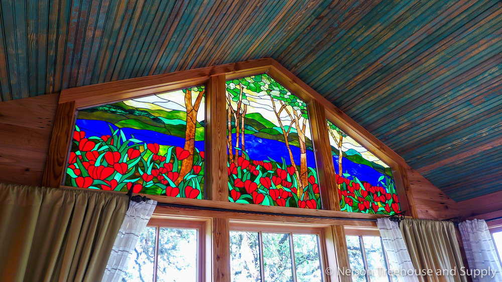 laurel-restaurant-treehouse-stained-glass